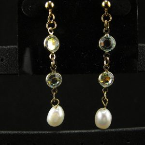 Swarovski Gold Plate Chain with Cream Pearl Dangle