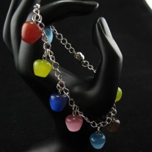 Synthetic Cat's Eye in Apple Shape Bracelet