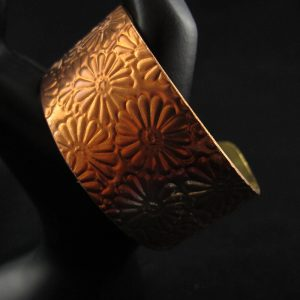 Brass Cuff (2.5 cm) in Flower Pattern